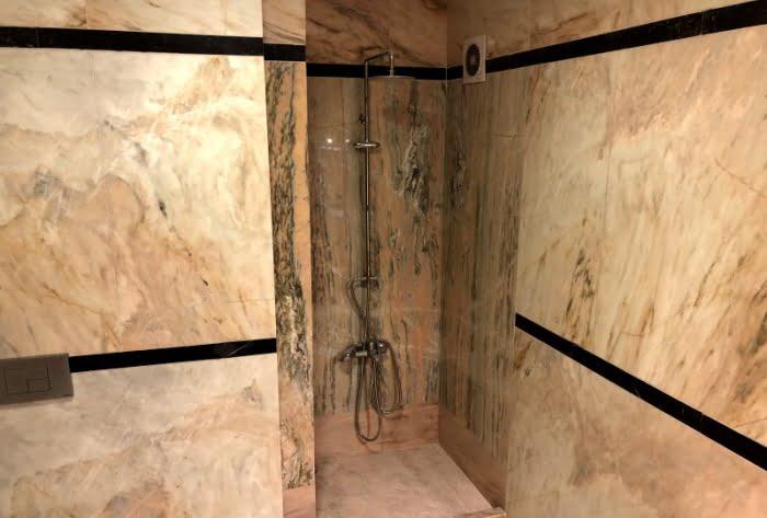 Vize Pembe Mermer banyo uygulaması.
